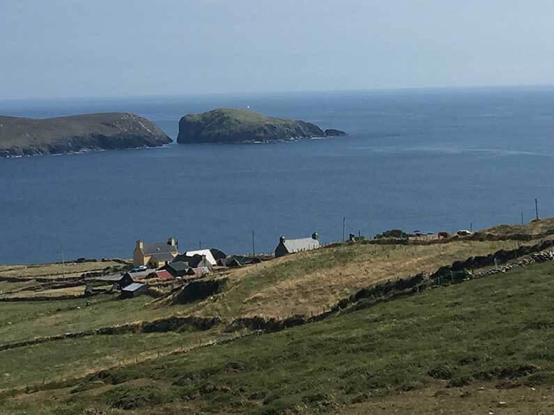 Het eerste dorpje op Dursey Eiland, Ballynacallagh